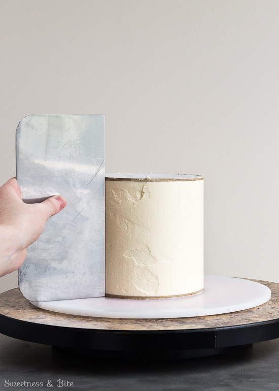 Perfect Buttercream Scraping the Sides