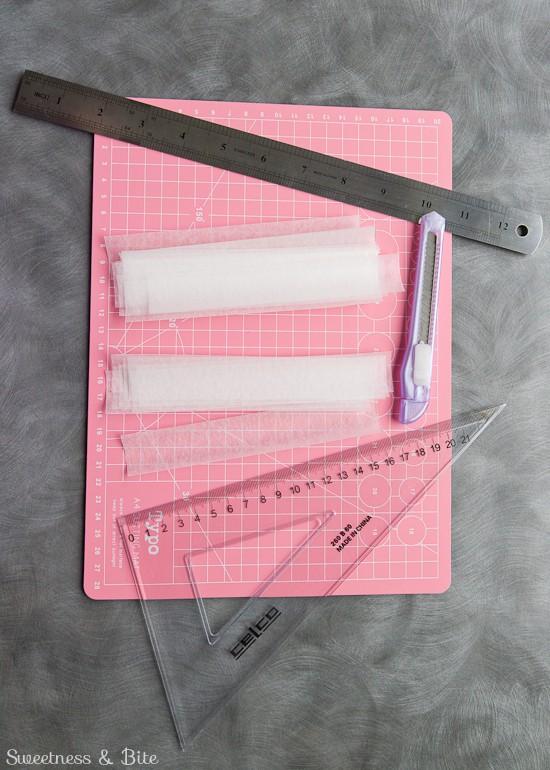 Perfect Buttercream Stripe Tutorial Cutting Waxed Paper Strips