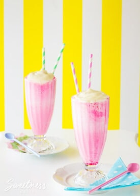 These Pink Panther drinks are a New Zealand childhood classic! Find out how to make these easy non-alcoholic pink lemonade ice-cream floats.