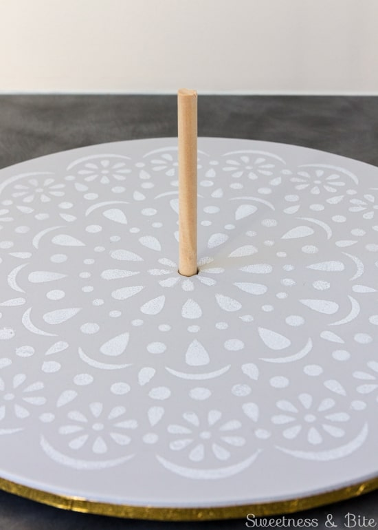 Simple Stenciled Cake Board ~ Centre Dowel