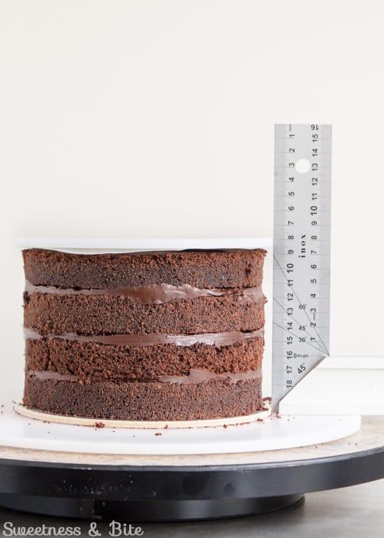 How to Ganache a Cake - Ganaching 'lid'