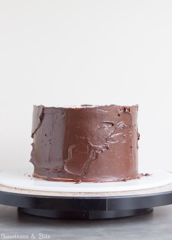 How to Ganache a Cake - The Ganaching 'Lid'