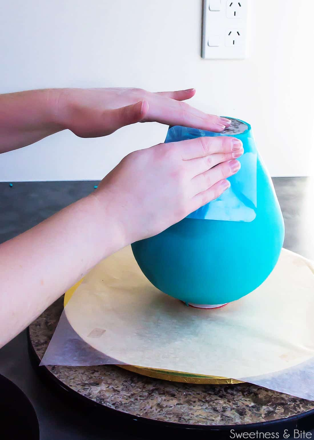 How To Make Flexible Fondant Smoothers In Use