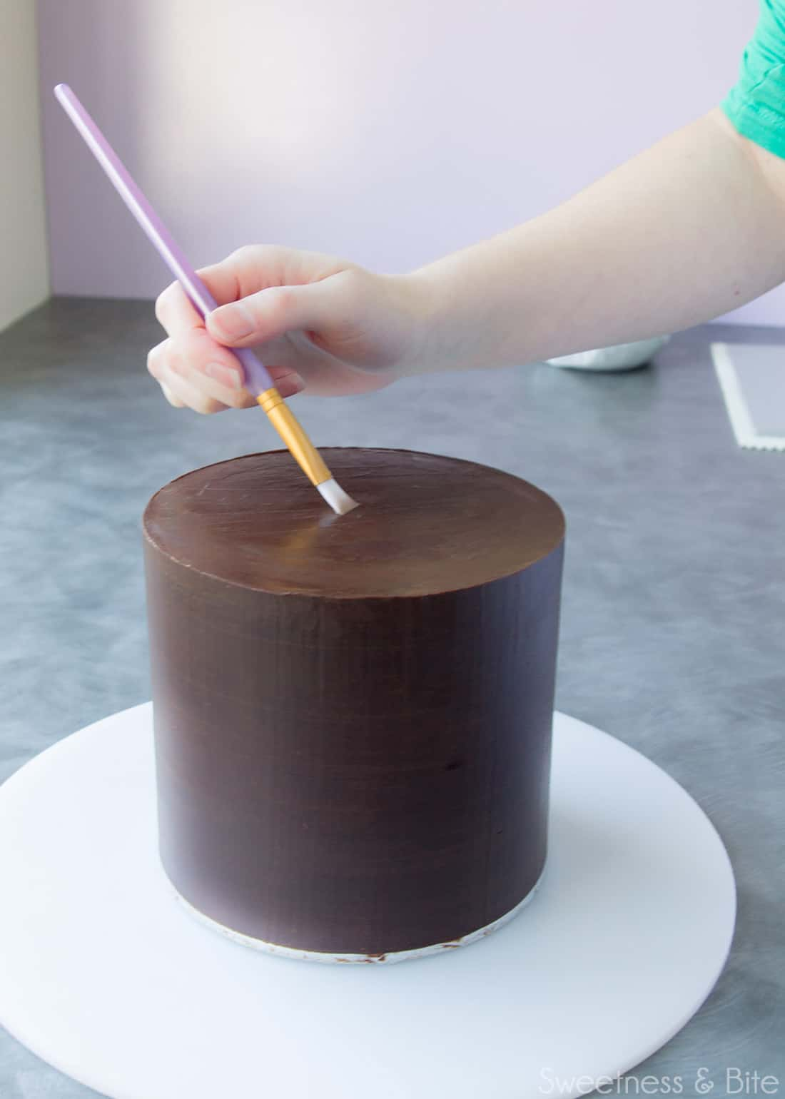 How to Wrap a Cake With Fondant ~ Sweetness & Bite