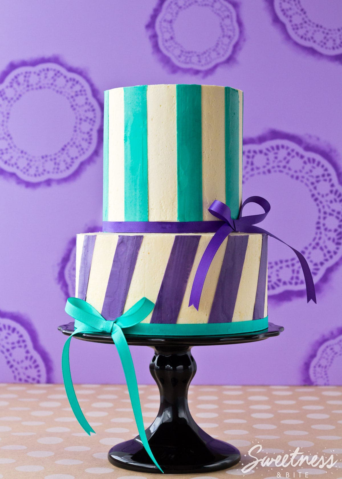 Buttercream Stripe Tutorial Part One - Smooth and Straight Buttercream Finish ~ Sweetness & Bite