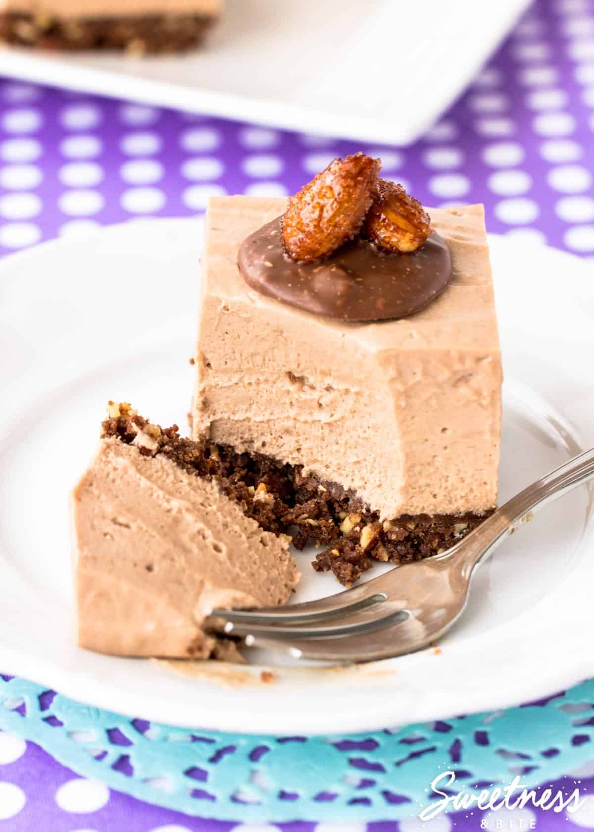 crunchy-almond-toblerone-cheesecake-featured-image