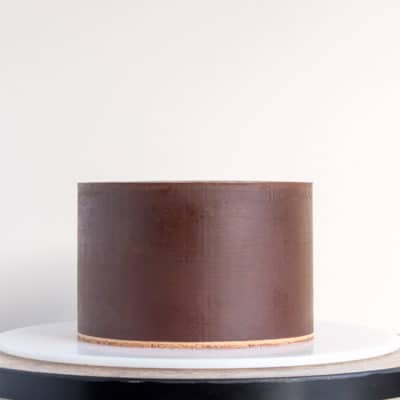How to Make Fondant Stick to Ganache
