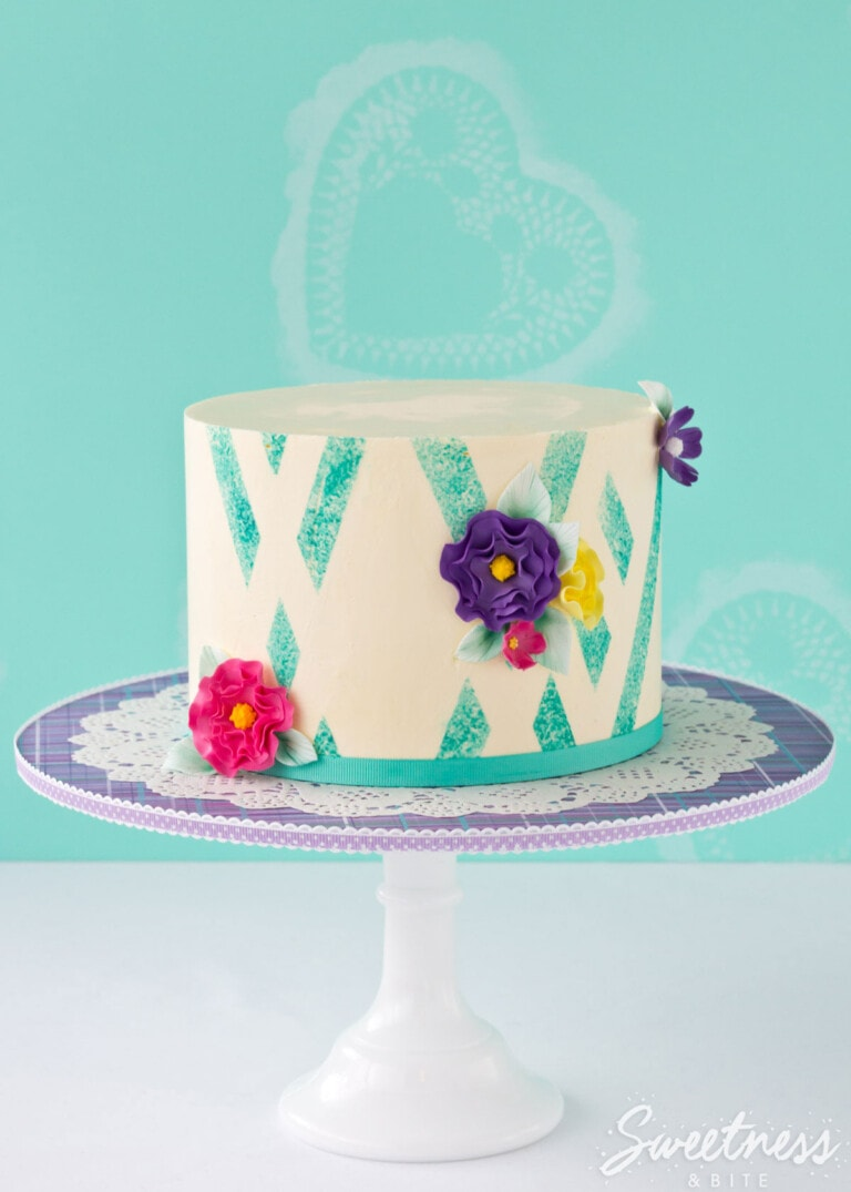 Sponged Abstract Buttercream Stripes {Tutorial}