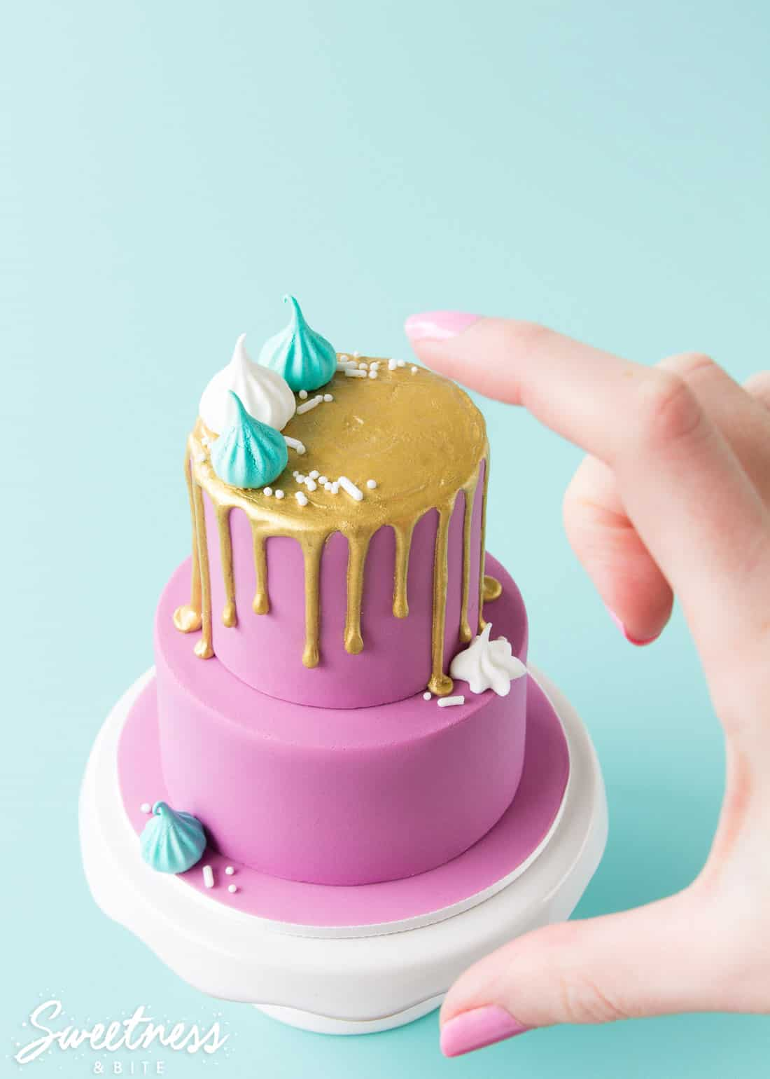 How to Make a Mini Drip Cake. Tutorial by Sweetness & Bite