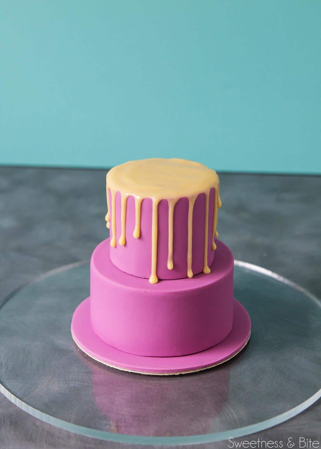 How To Make A Cake Ready For Fondant